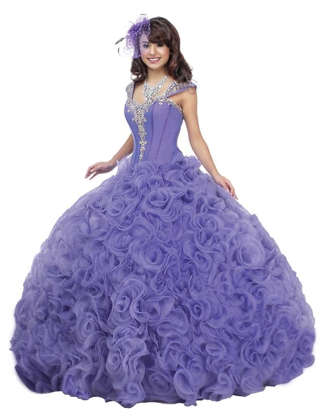 Disney viste a las quinceañeras como a sus famosas princesas