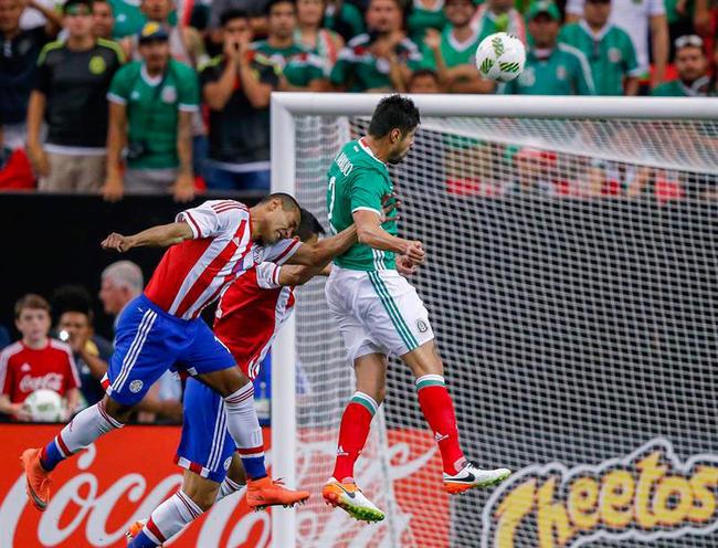 1 - México vence 1-0 a Paraguay en partido amistoso. Foto: EFE