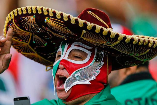 2 - México vence 1-0 a Paraguay en partido amistoso. Foto: EFE
