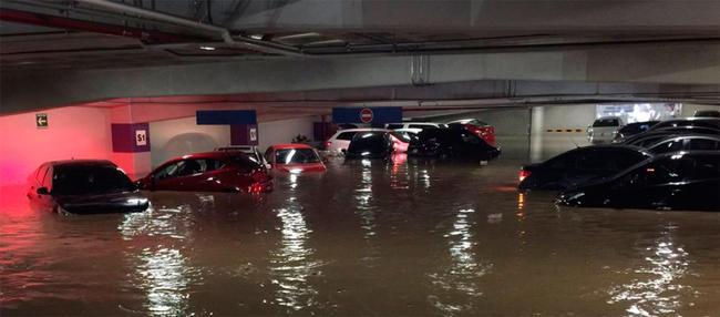 Severa inundación en el poniente de la Ciudad de México