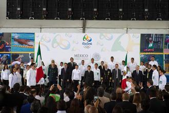 Galería: Abanderan delegaciones olímpicas