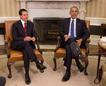 El presidente estadounidense, Barack Obama (d), y ...