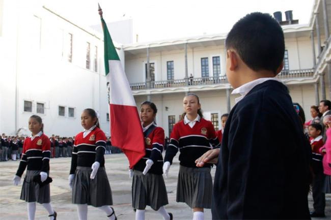 Inicia el ciclo escolar 2016-2017 en México