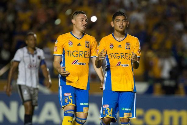 1 - Los Tigres de la UANL impusieron su condición de favorito ante el cuadro panameño Plaza Amador y terminó por superarlo 3-1. Foto: Mexsport