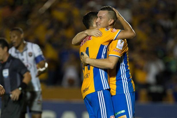 0 - Los Tigres de la UANL impusieron su condición de favorito ante el cuadro panameño Plaza Amador y terminó por superarlo 3-1. Foto: Mexsport