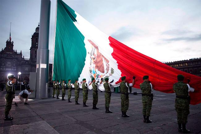Conmemoran 31 aniversario del sismo de 8.1 grados Richter en la Ciudad de México