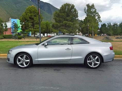 Audi A5 Coupe Luxury modelo 2010, automático