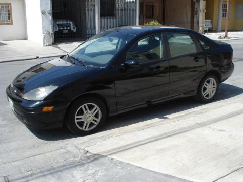 Ford Focus SE 2003 negro, interior tela gris